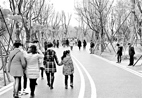 """打造高博亚洲在线""""绿肺"""" 高博亚洲在线12个生态公园昨起迎客"""