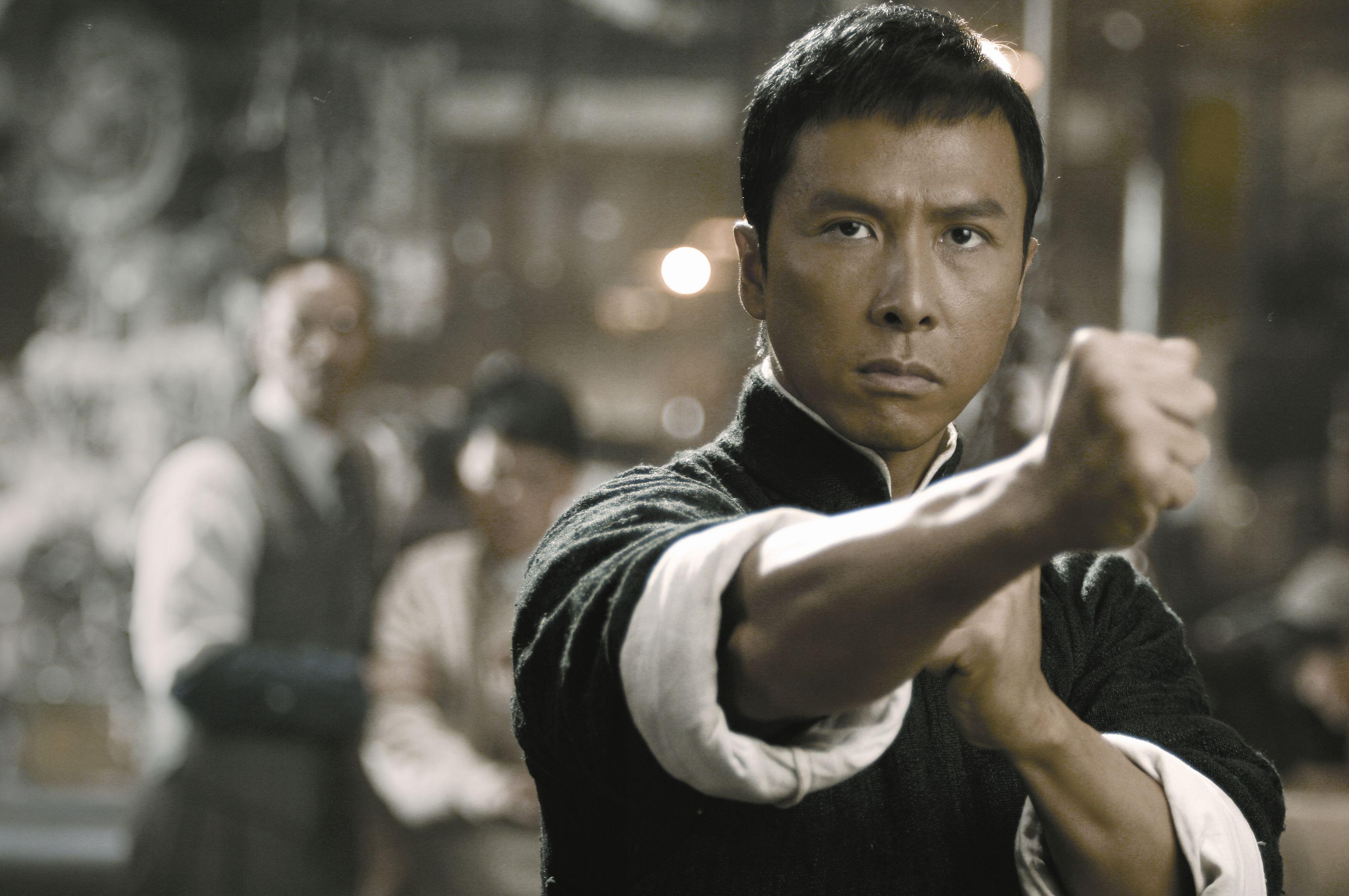 甄子丹拍《叶问4》片酬超过1亿港元,老板黄百鸣仍觉得图片