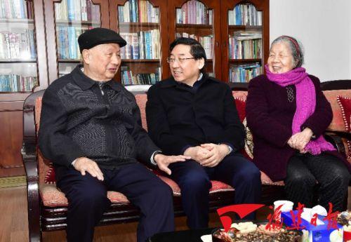 高博亚洲娱乐省领导慰问军地老同志和各界人士代表