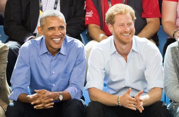 奥巴马获邀哈里王子婚礼 为了不得罪特朗普他们用这招
