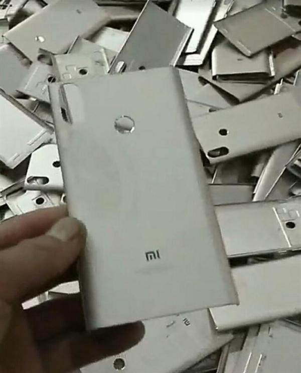 要首发骁龙636!红米Note 5没跑了:继续全面屏