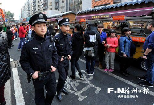 """福州:一线民警24小时在岗保平安 霸占""""微信步数""""榜首"""