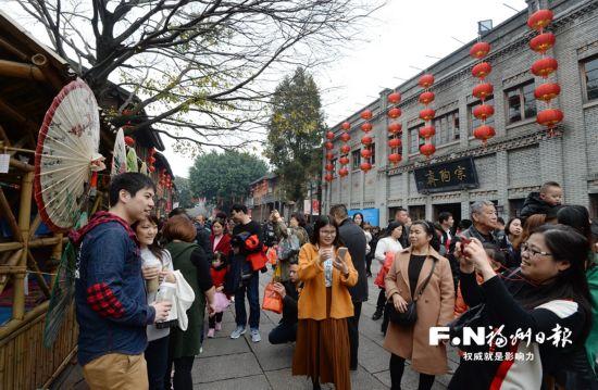 福州三坊七巷接待超70万人次创新高