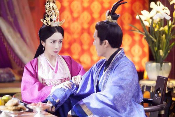 独孤天下独孤曼陀和李�\相差几岁?小说结局嫁给唐国公生下李渊