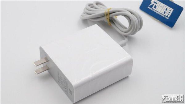 小米USB Type-C 65W电源适配器拆解图赏