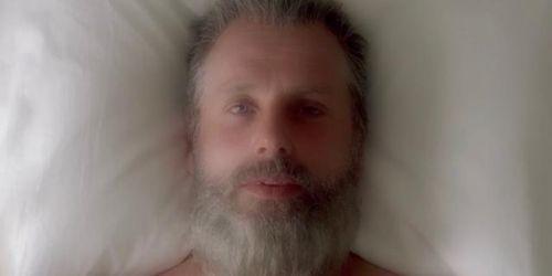 行尸走肉第八季卡尔死了吗 临死告知瑞克梦境中他打赢尼根