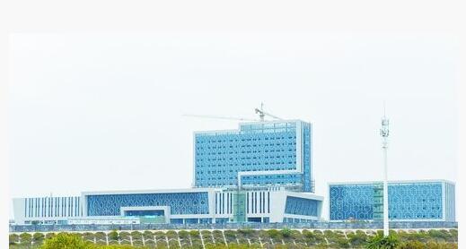 厦门翔安医院幕墙铺设基本完成 将在今年8月开门迎客