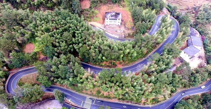 """泉州永春:农村公路成为村民""""致富路"""""""