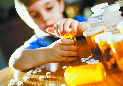 厦门海沧三小孩把降压药当糖果吃 被紧急送医