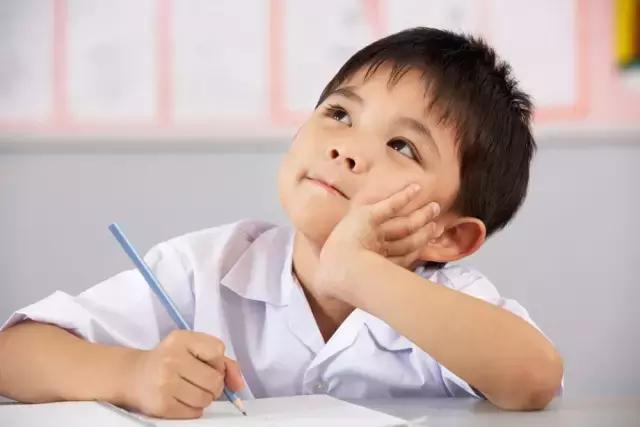 """网上频现小学生佳作 """"05后""""脑洞有多大?"""