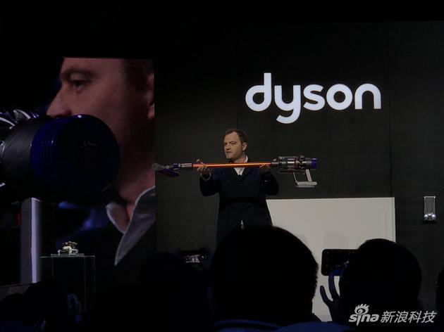 戴森V10无绳吸尘器国内上市:售价4490起续航是亮点