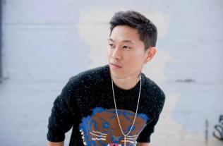 偶像练习生导师欧阳靖是谁?为何欧阳靖会受到那么多rapper的尊重?