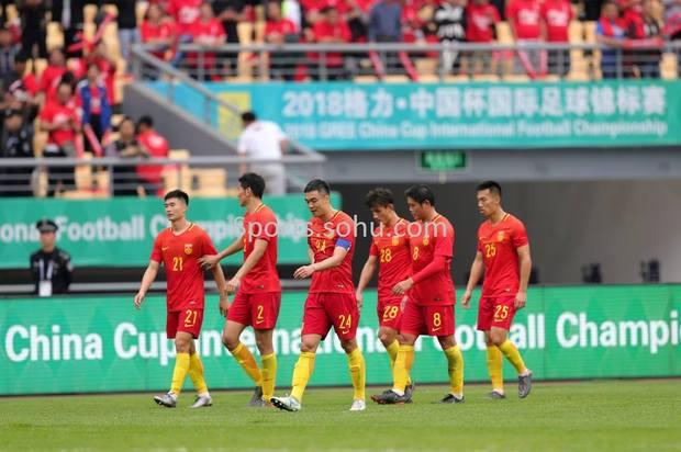 新华社:国足尬踢中国杯 体现世界第五档水平