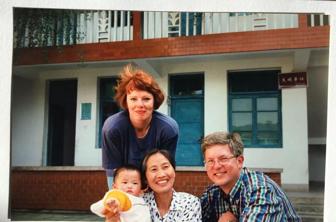 """""""爸妈,我很好""""24岁荷兰女孩南平街头寻亲 留学厦大只为一句话"""