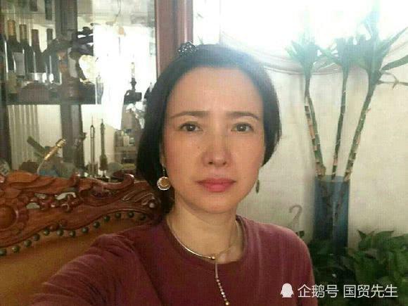 何晴是内地古装第一美女,54岁长这样!何晴近照风韵犹存