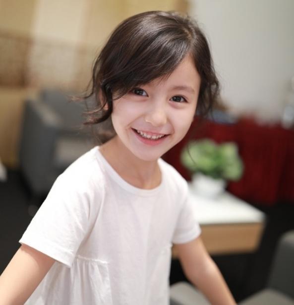 裴佳欣个人资料 王思聪关注的最小网红,还是抖音第一小女神