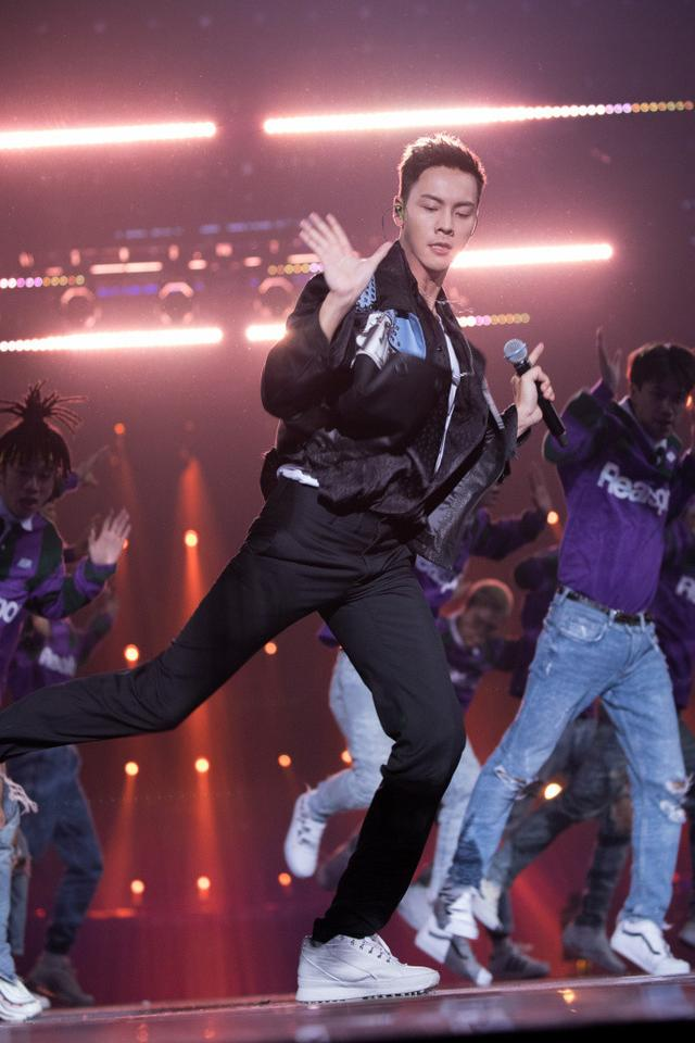 《热血街舞团》这个组合要火!不仅全队进,陈伟霆还带着出席活动