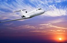 业绩创十年新高 航空股受基金青睐