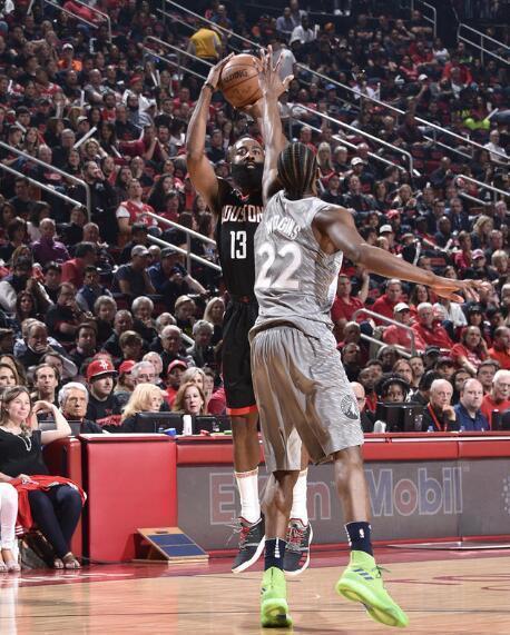 NBA-火箭104-101险胜森林狼 精彩瞬间回顾