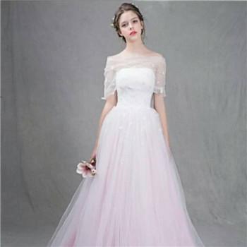 2018年新娘婚纱礼服款式介绍 简单新娘婚纱样式