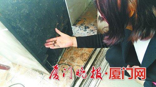 刚买的冰箱突然自燃起火 消防提醒:电器无论新旧都要常检查排隐患