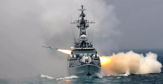 向海图强 习近平的海军强军梦
