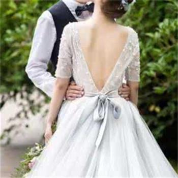 简单新娘婚纱款式介绍 新娘婚纱怎么选