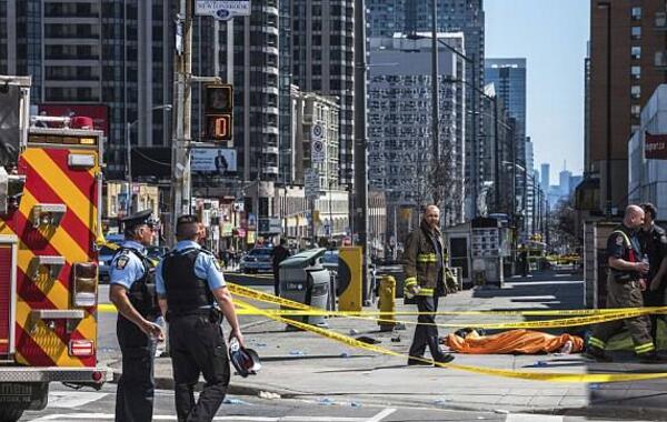 多伦多货车撞人案嫌犯被控谋杀罪 法庭上无表情