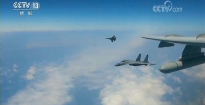 """空军战机绕飞祖国宝岛 国防部:针对岛内""""台独""""势力及其活动"""