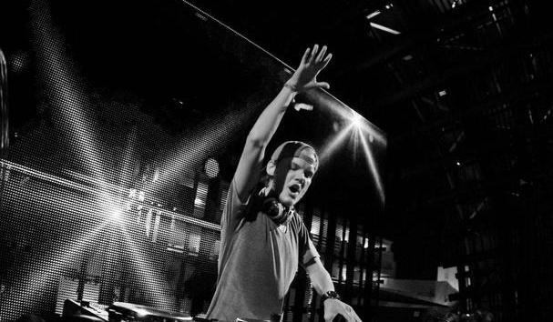 DJ Avicii家人暗示其死因 艾维奇死因系自杀一度高强度工作牺牲了健康