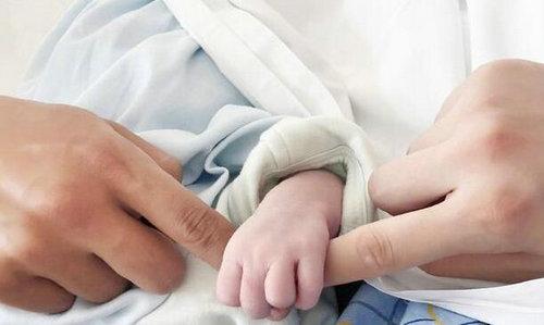 李佳航李晟两人因戏结缘 如今喜得一子正式升级当爸妈