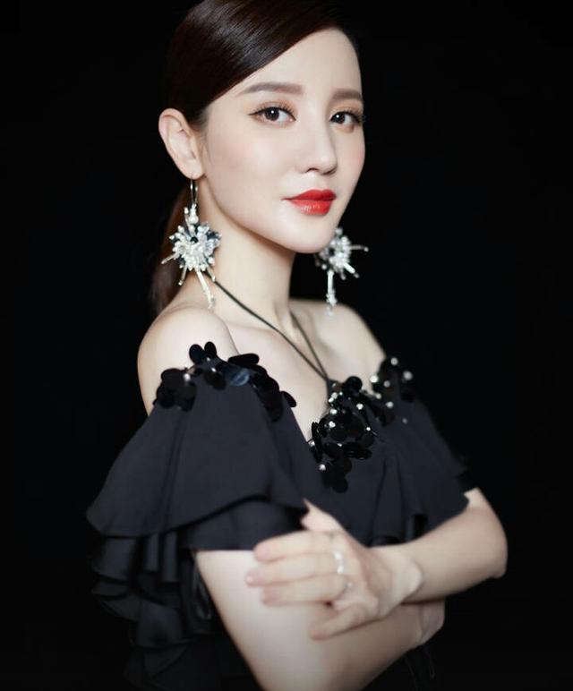 上海见面会:陆定昊林超泽台下应援,女星张萌居然是蔡徐坤粉丝