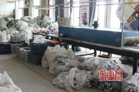 莆田荔城警方查获一批仿冒运动鞋 涉案金额达数百万元