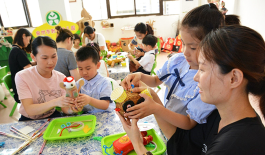 泉州市刺桐幼儿园:偶乐偶趣 爱心传递