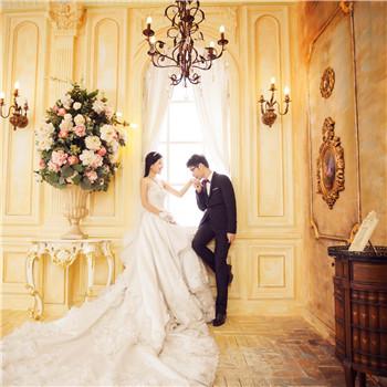 新娘结婚当天穿什么款式婚纱 婚纱颜色款式介绍