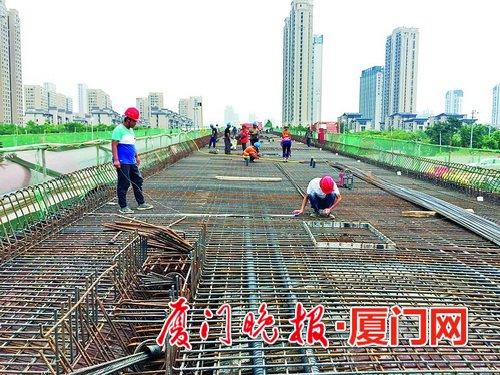 厦门翔安大道再添一段跨线桥 预计7月初具备试通车条件