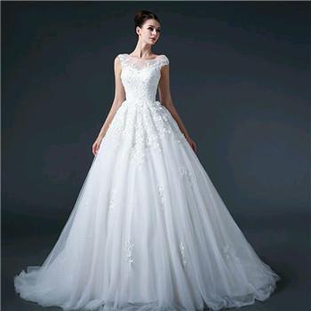 新娘结婚当天穿的婚纱推荐 最新婚纱样式