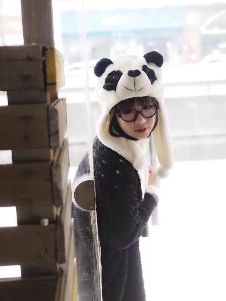 靓妹cosplay白熊咖啡厅胖达  我和熊猫谁更萌?