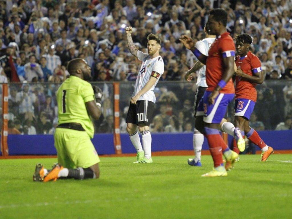 世界杯热身:阿根廷4-0海地 梅西3射1传