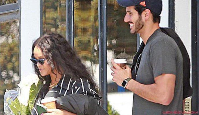 蕾哈娜被曝分手 昔日与富商男友大尺度舌吻照被扒引唏嘘