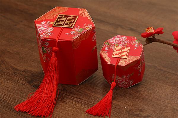 """中国古典传统婚礼的""""八大件""""彩礼 你知道多少"""