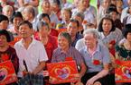 福建南安:百位老人金婚庆典 传承和谐新风尚