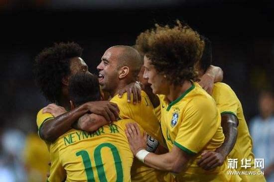 2018俄罗斯世界杯巴西队首次公开训练 气氛轻松