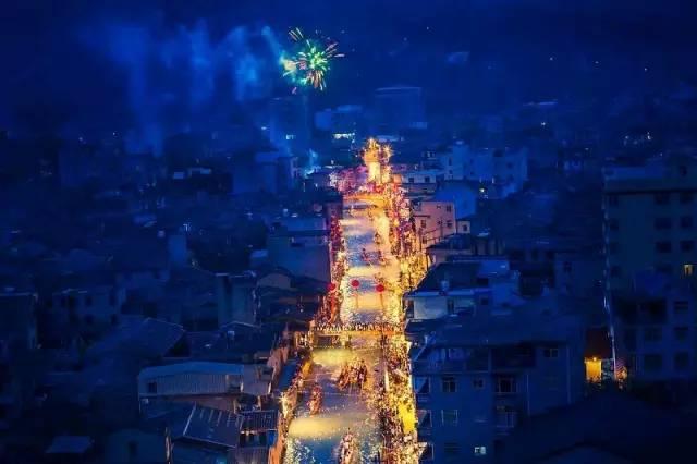 福州千年古村 藏着震撼人心的龙舟夜赛 堪比IMAX大片!