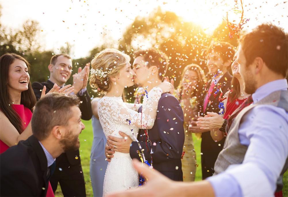 水下婚纱照怎么拍才好看 新人婚纱照拍法攻略强
