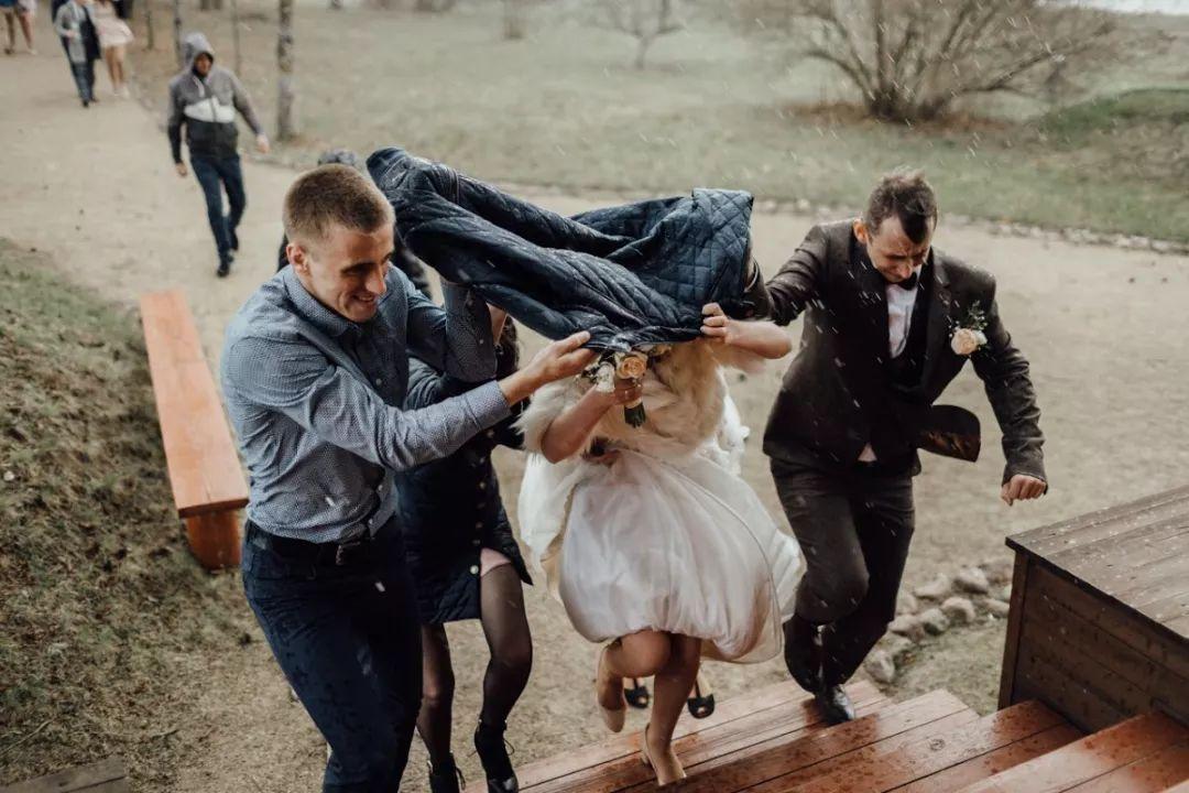 ca88亚洲城手机版【官方ca88亚洲城手机版下载】_提前半年定的婚礼摄影师 因家人去世无法来拍摄该怎么办?