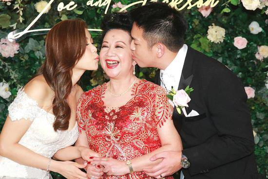 薛家燕当婆婆笑开花 否认儿媳陈素儿不雅视频