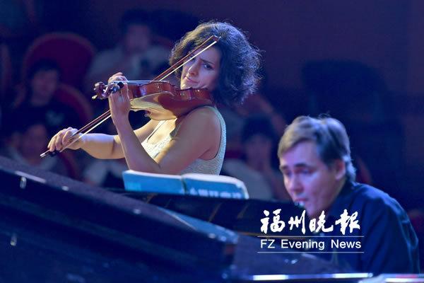 俄小提琴家马丽安娜来榕 举行专场音乐会