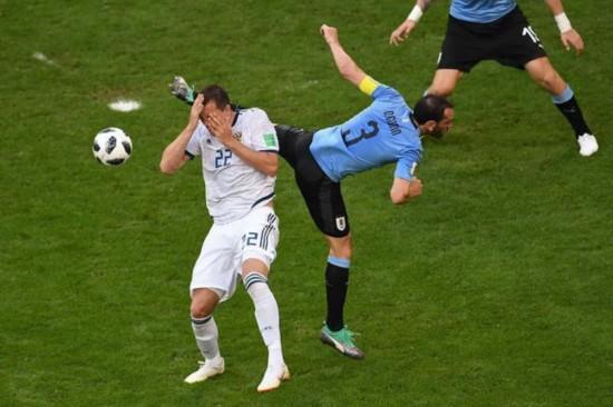 乌拉圭3-0俄罗斯小组全胜晋级 乌拉圭VS俄罗斯具体战况(2)