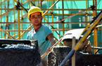 福建高温下的劳动者:建筑工人挥汗如雨的坚守